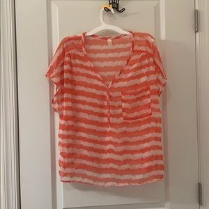 Tops - Soft chevron etched print top